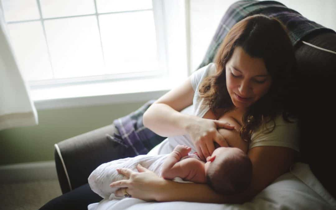 The Best Tips to Succeed at Breastfeeding from Real Moms